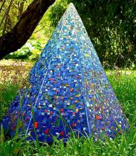 Mosaic sculpture for gardens